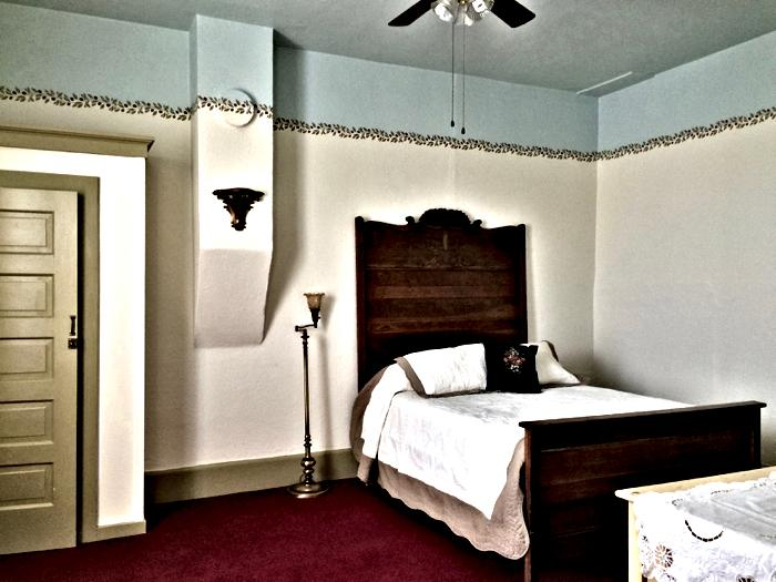 Room 9 enhanced_20170220-13361421.jpg