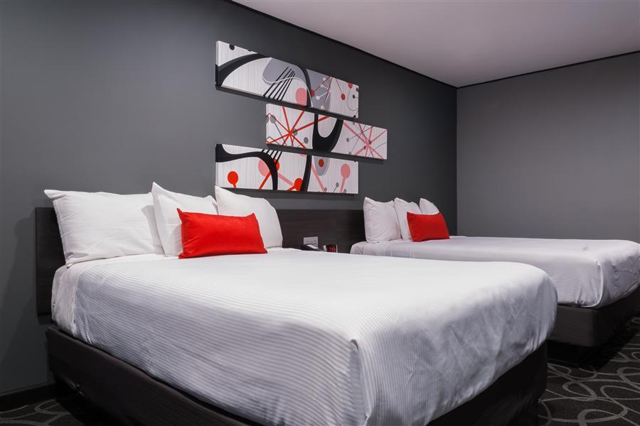 Astro Hotel Pasadena 2 Quen Beds_20160829-22373190.jpg