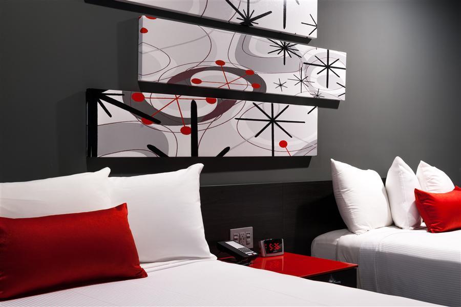 Astro Pasadena Hotel Googie 2 Queen beds_20160829-22390134.jpg