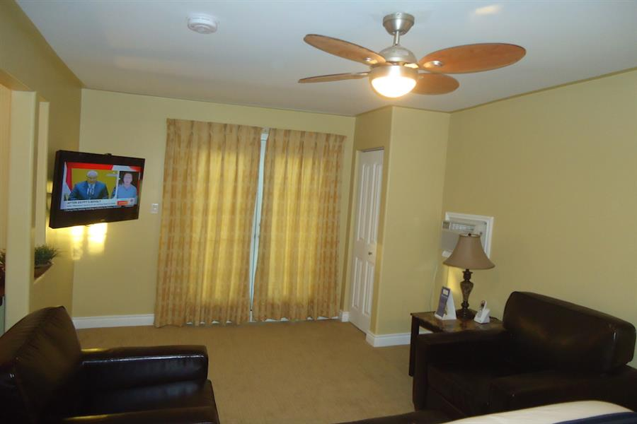 Waterview King Suite - Sitting Area_20181005-18285955.JPG
