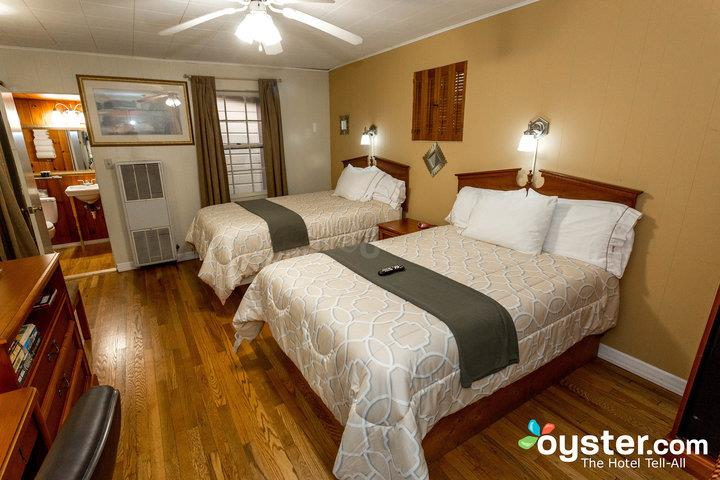 two-beds-room-with-large-shower--v18153467-720_20180228-07394484.jpg