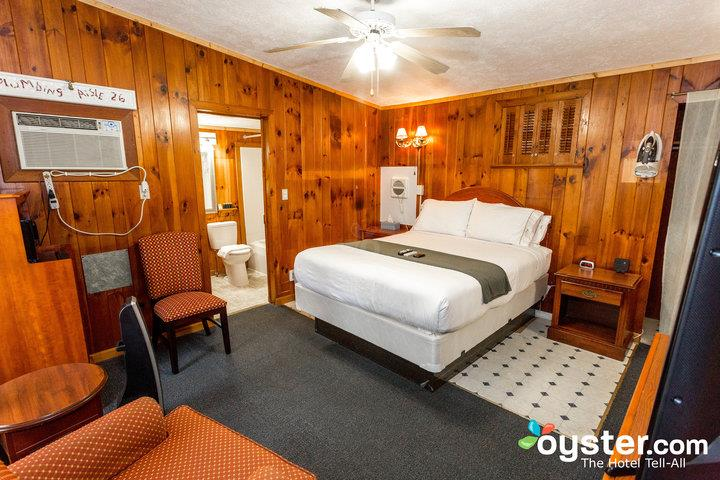 queen-room-with-bathtub--v18154256-720_20180228-07362010.jpg