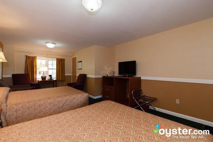 standard-2-queen-bed-larger-unit--v14539974-720_20180522-02321922.jpg