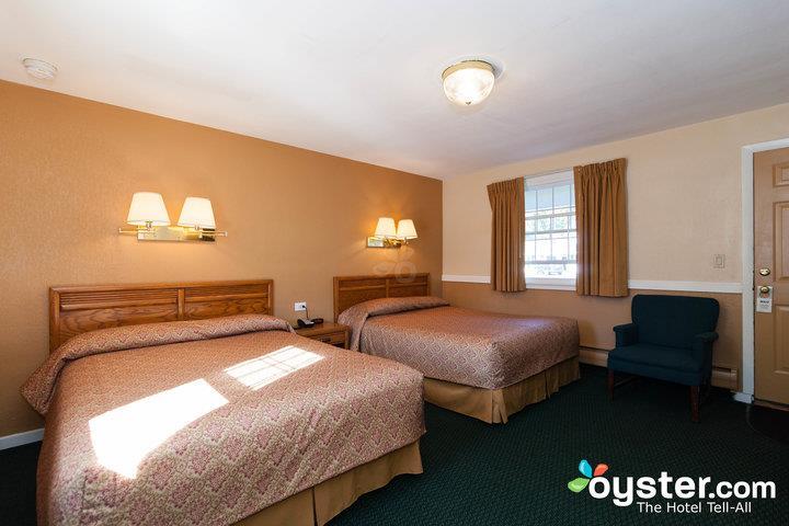 standard-2-queen-beds--v14539983-720_20180522-02395173.jpg