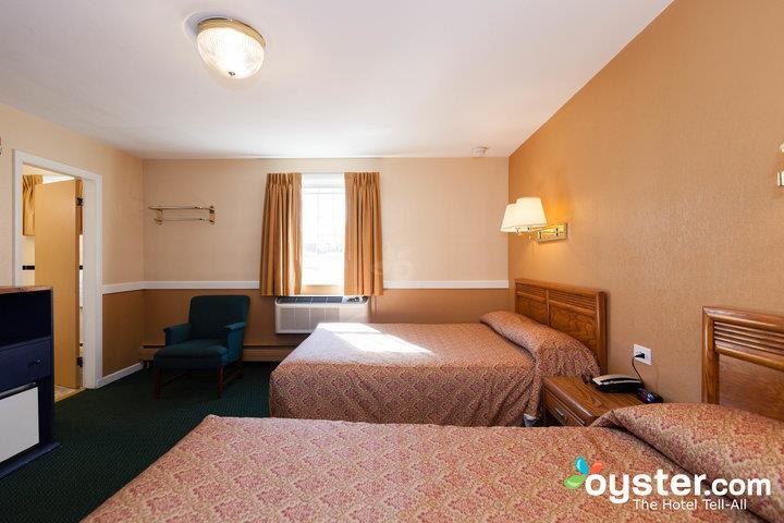 standard-2-queen-beds--v14539983-720_20180522-02395203.jpg