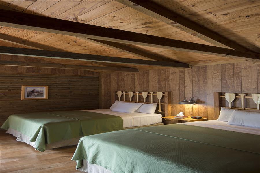 2 Bedrooms - 4 Queen Beds 2 Bathrooms 2_20151010-12053469.jpg