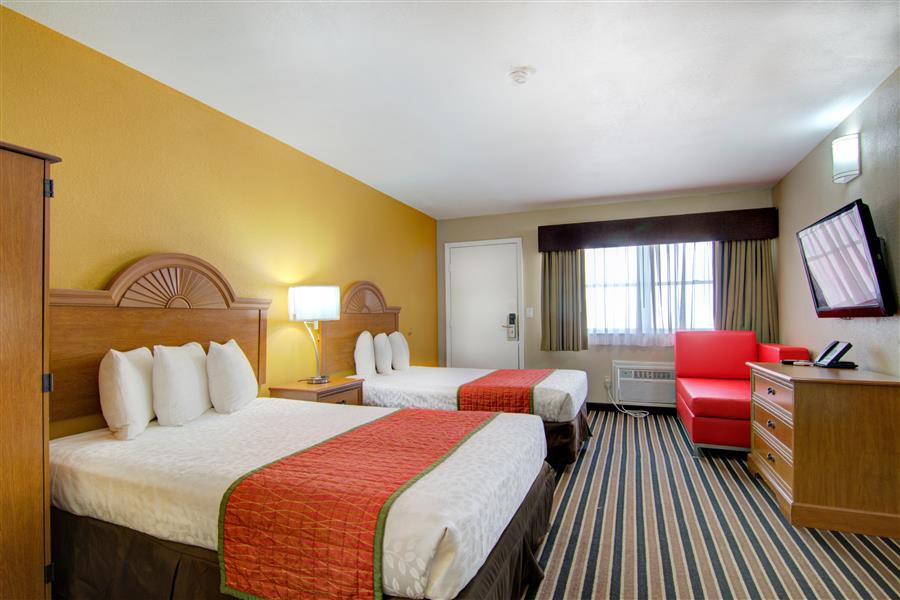 Three beds in clinton mo westbridge inn and suites_20180712-19224466.jpg