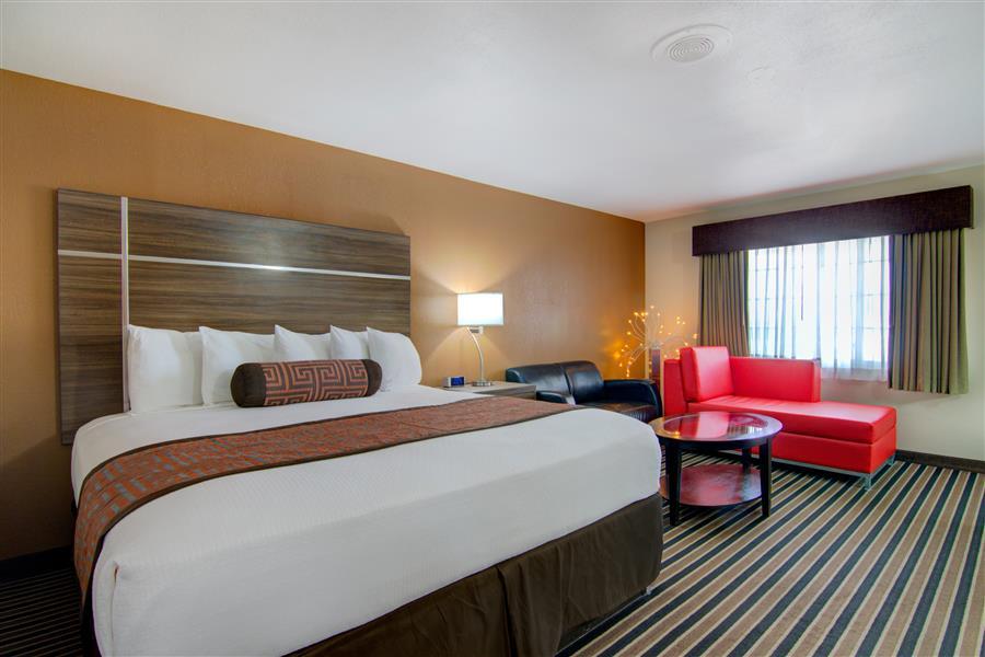 Westbridge Inn and suites - Best hotel in clinton mo_20180712-19240931.jpg