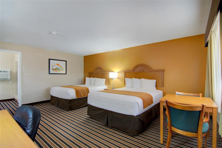 Pet friendly hotel in clinton mo_20180712-19251269.jpg